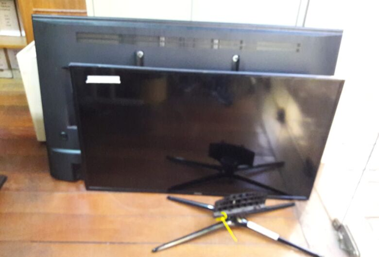 PM apreende duas TVs e um notebook de origem suspeita