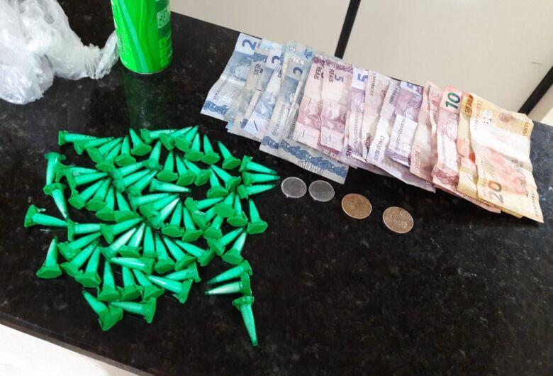 Jovem é detido com cocaína na Vila Jacobucci