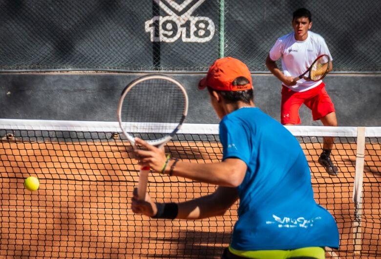 Tênis de São Carlos é tricampeão nos Jogos Regionais