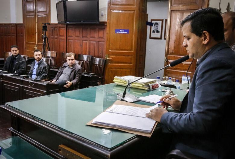 Câmara Municipal prorroga prazo para Altomani apresentar defesa das contas de 2015