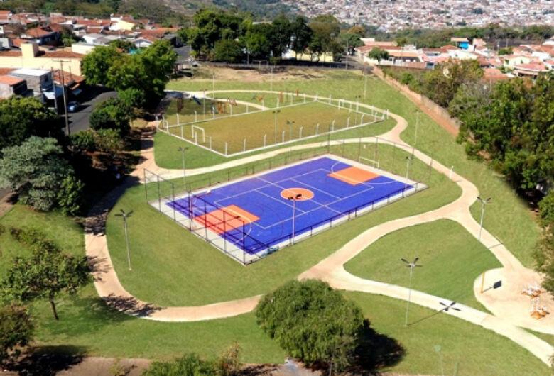 Com recursos de emenda do vereador Edson Ferreira, Praça no Jardim Beatriz se torna complexo esportivo