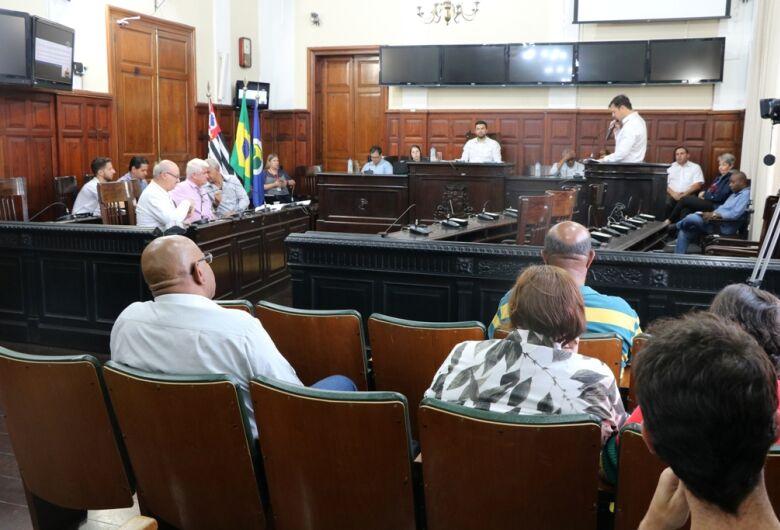 Audiência discute melhorias e concessão dos cemitérios municipais