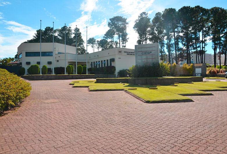 Câmara homenageia 70 anos do Ciesp São Carlos em sessão solene
