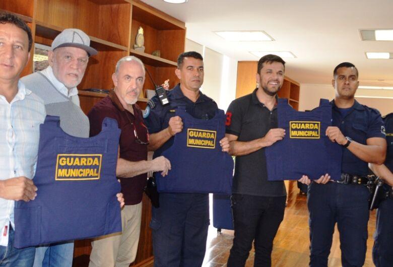 Guarda Municipal de São Carlos recebe mais 40 novos coletes à prova de balas