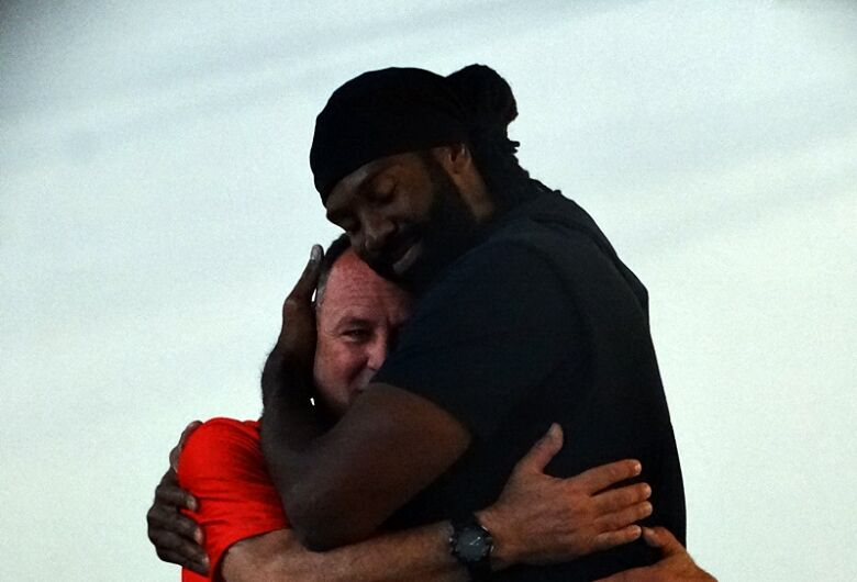 Com muita emoção e presença de Nenê Hilário, NBA School chega a São Carlos