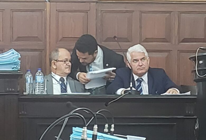 Vereador critica SMU, salários acima de R$ 30 mil e provedor da Santa Casa
