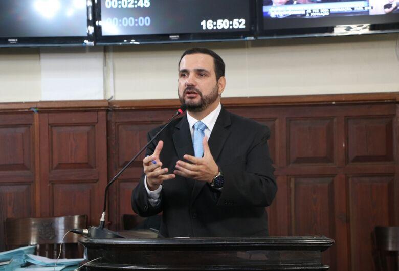 Julio Cesar protocola projeto de lei que garante cesárea por opção da gestante