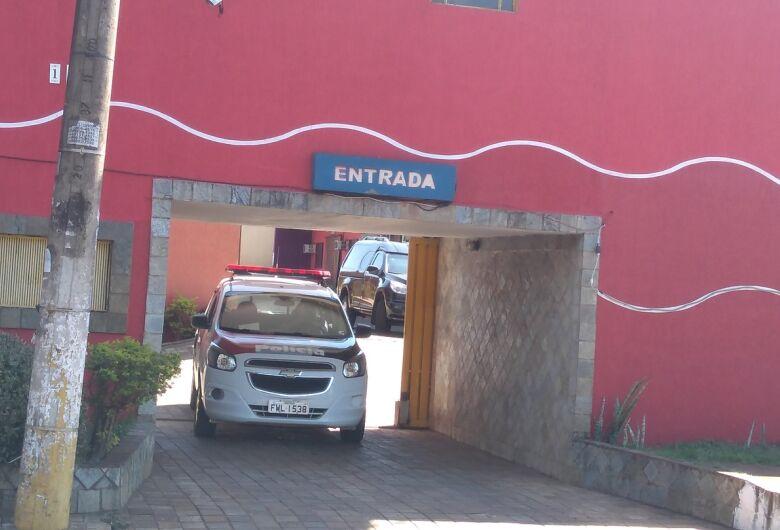 Polícia Civil investiga morte de cabeleireira dentro de motel na região