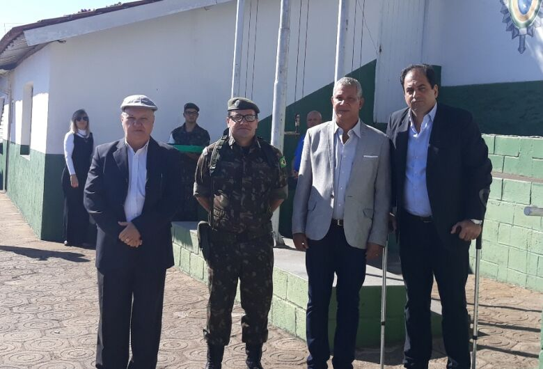 Vereador Sérgio Rocha prestigia Dia do Soldado no Tiro de Guerra