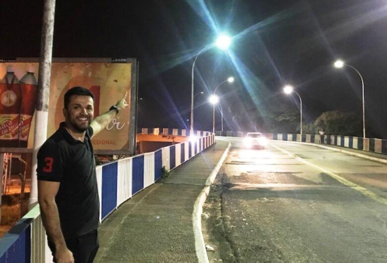 Rodson comemora restabelecimento da iluminação pública no Viaduto Prefeito Antonio Massei
