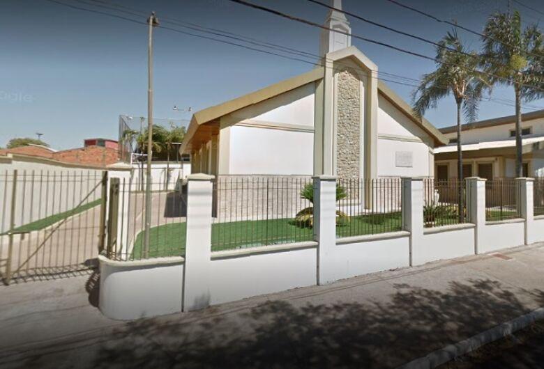 Ladrão furta 50 barras de alumínio usadas em para-raios de igreja Mórmon