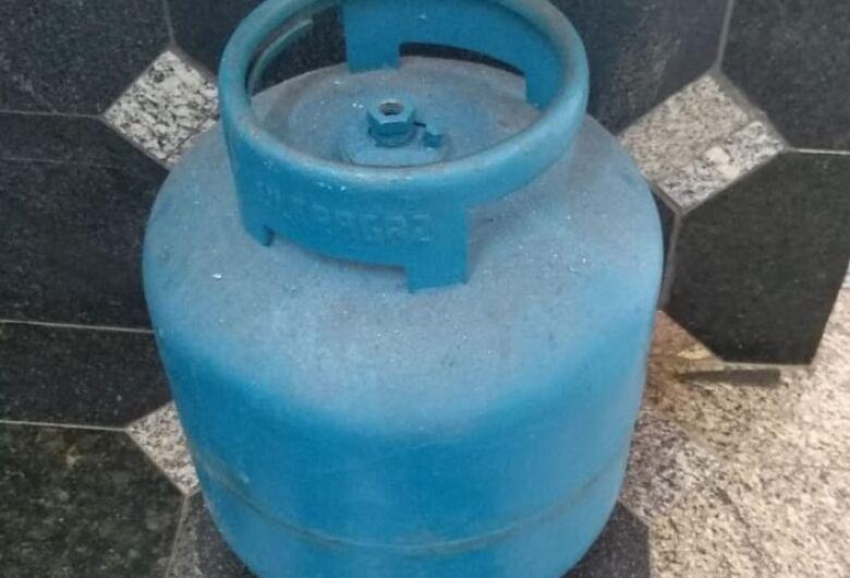 Ladrão ia trocar botijão de gás por droga em Ibaté