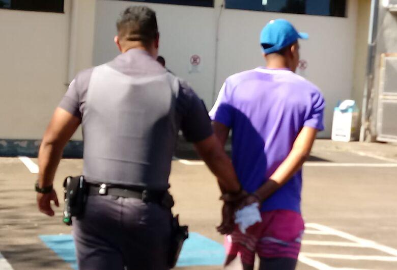 Procurado por furto é preso em Dourado