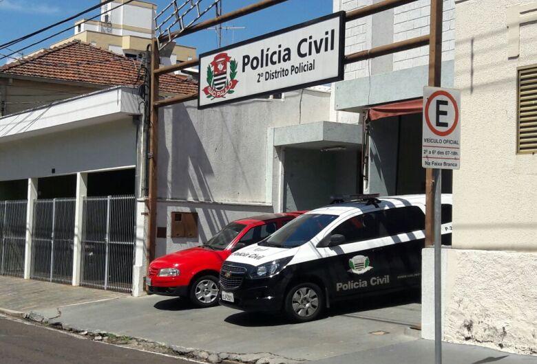 Trio rende motorista e assalta ônibus no Antenor Garcia