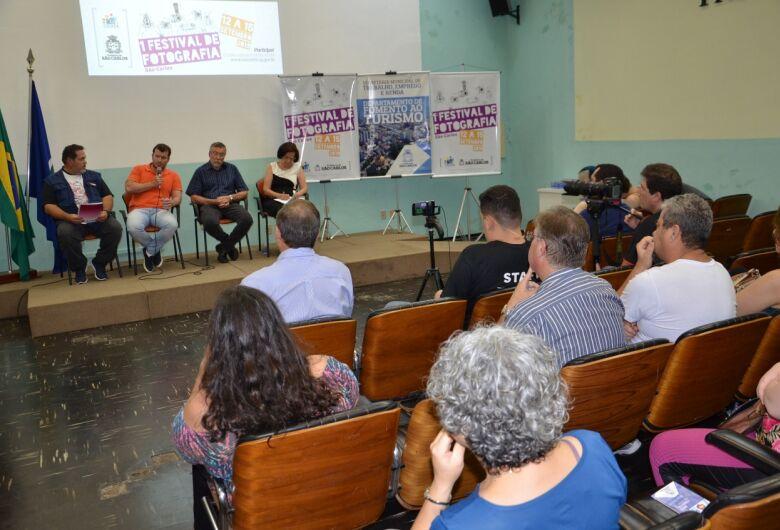"""Debate sobre """"Utilização da fotografia como forma de conhecimento"""" abre o 1º Festival de Fotografia São Carlos"""
