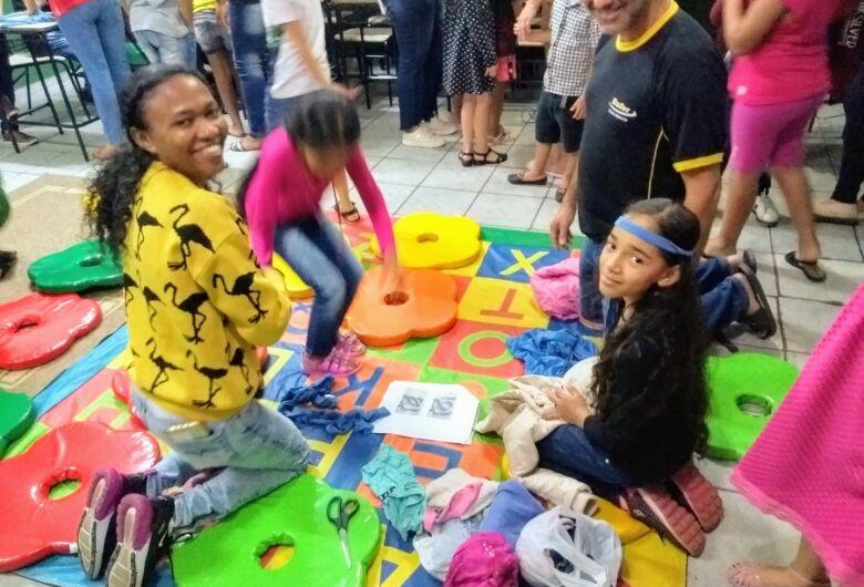EM Profª Maria Luiza realiza a Festa da Família com pais e alunos
