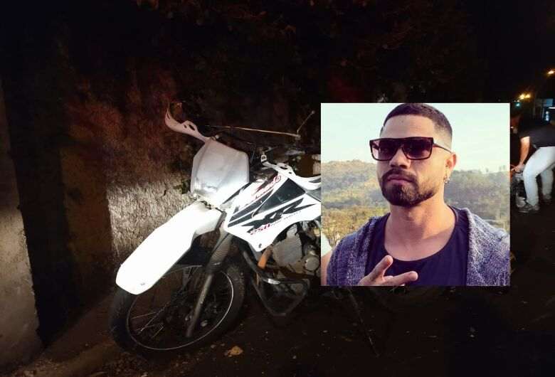 É grave o estado de saúde de jovem que bateu moto em muro; amigos fazem corrente de oração