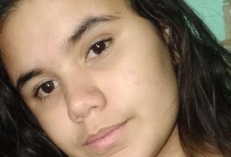 Adolescente de 16 anos desaparece após sair da escola Jesuíno de Arruda