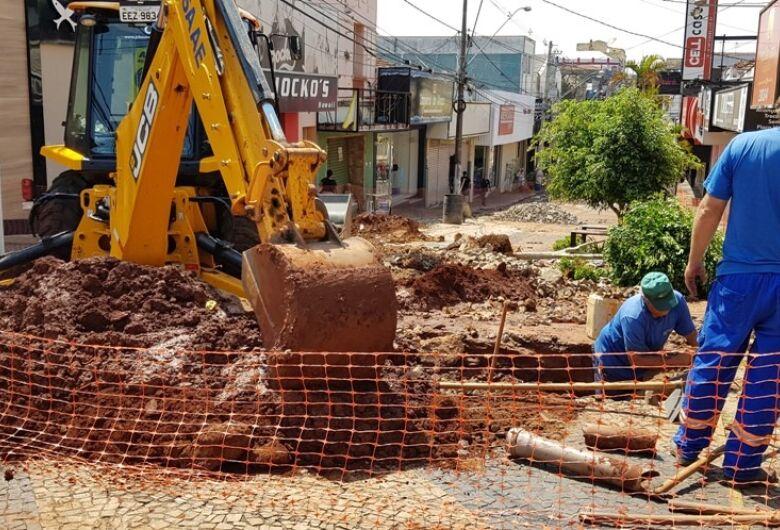 Comerciantes acreditam que remodelação do calçadão vai melhorar comércio na área central