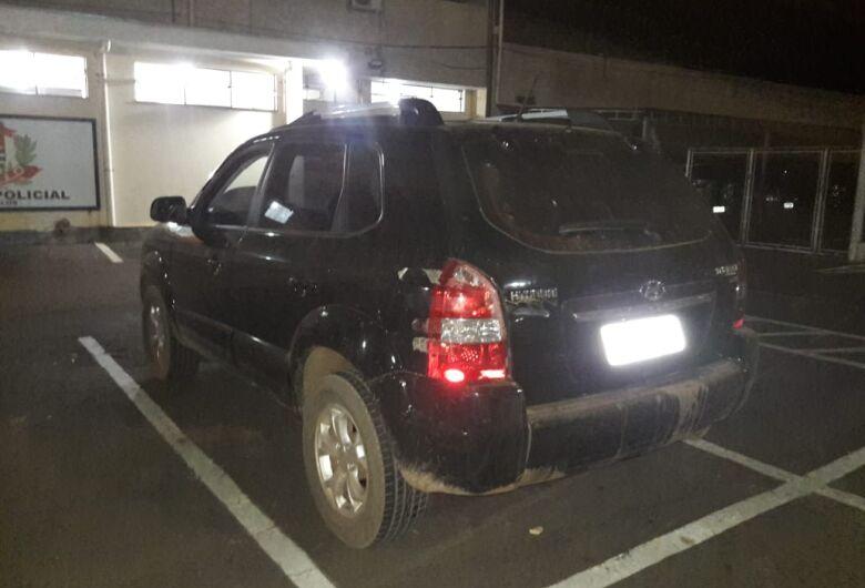 Após perseguição, Força Tática recupera carro roubado