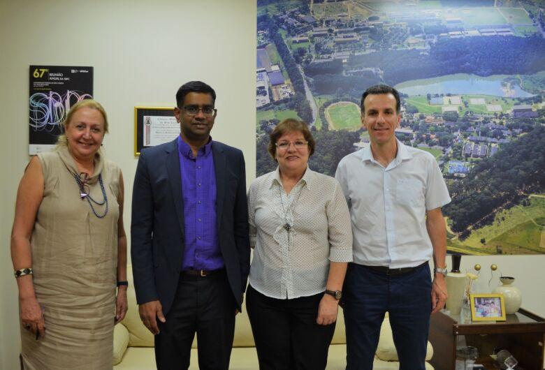UFSCar e Universidade de Calgary no Canadá assinam acordo de cooperação