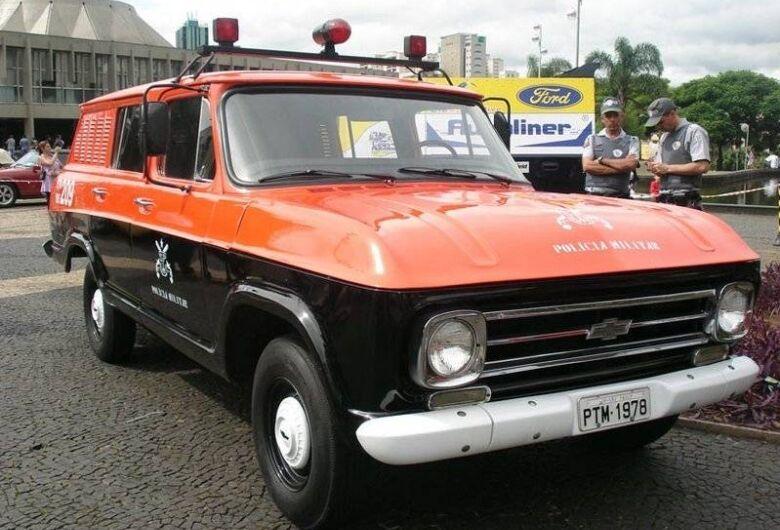São Carlos recebe exposição de viaturas policiais antigas
