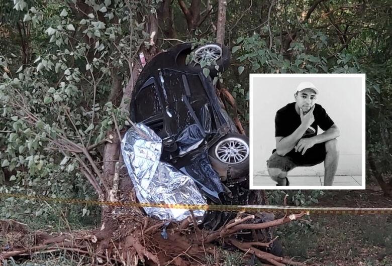 Sepultado corpo de jovem que sofreu violento acidente em Matão