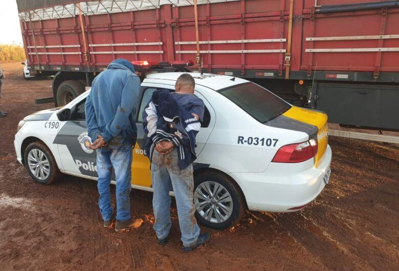 Polícia Rodoviária prende trio e recupera carga roubada na Washington Luis