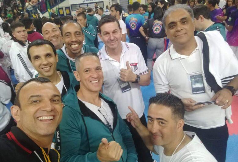 Atletas ibateenses participam de Campeonato Brasileiro de Karatê
