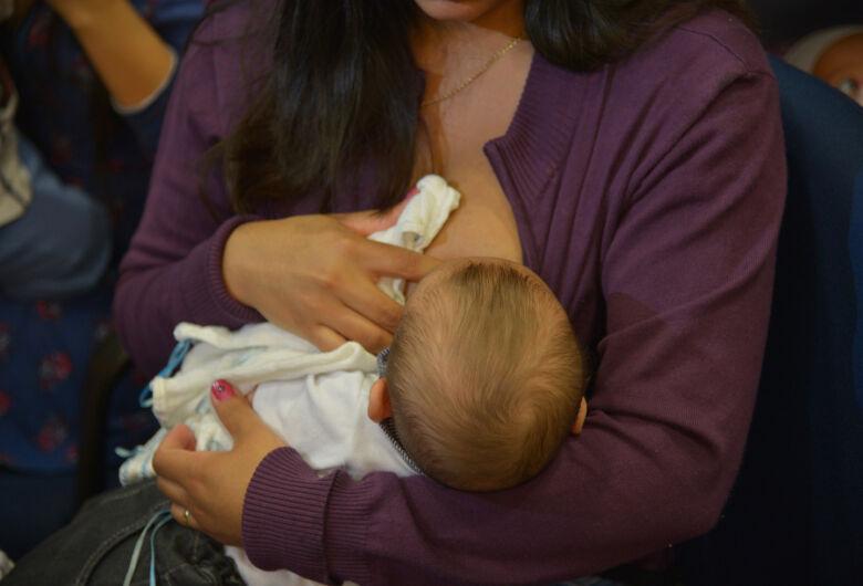 Proposta de 6 meses da Licença-maternidade avança na Câmara dos Deputados