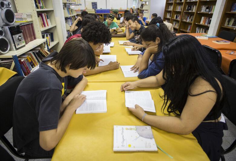 Mais de 863 mil alunos da rede estadual de SP farão provas do Saeb 2019