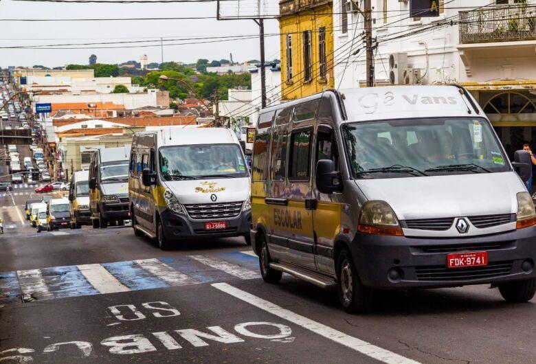Por projeto original, motoristas de vans escolares pressionarão vereadores na Câmara