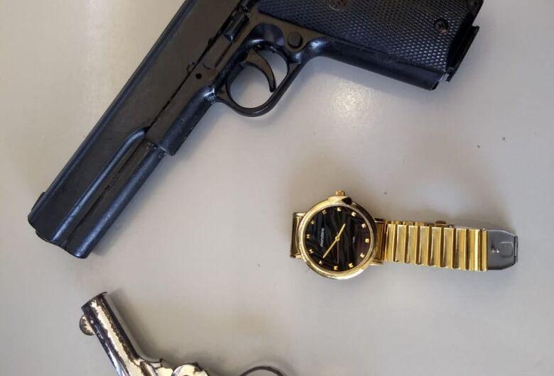 Polícia Militar recupera produtos de furtos a residência
