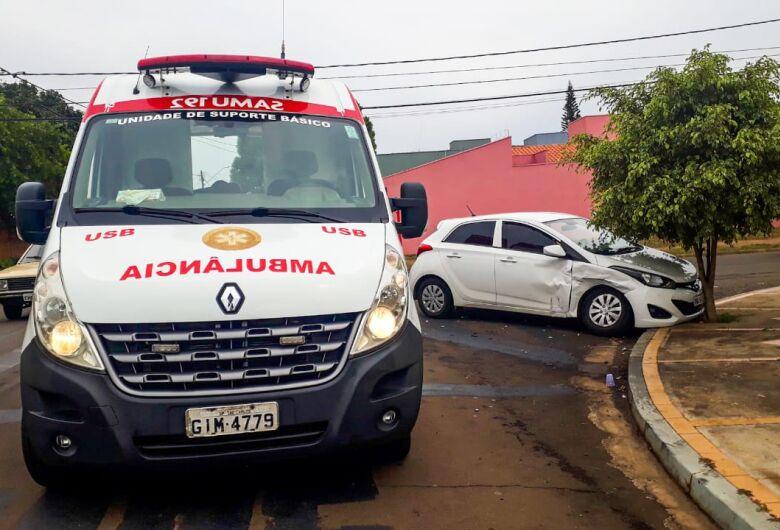 Carros colidem no Planalto Paraíso e jovem fica ferido