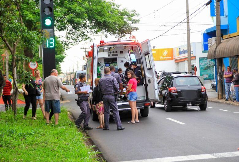 Ao efetuar contorno, motorista atropela idoso no Boa Vista