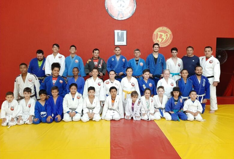 Judocas são-carlenses são destaques na Copa Oitava Oeste em Araras