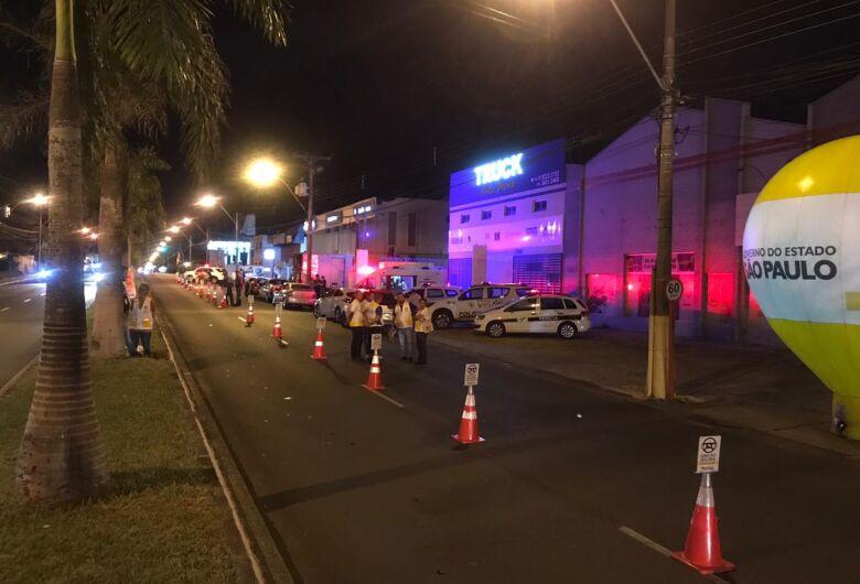 Mais de 160 motoristas são fiscalizados durante operação na Getúlio Vargas