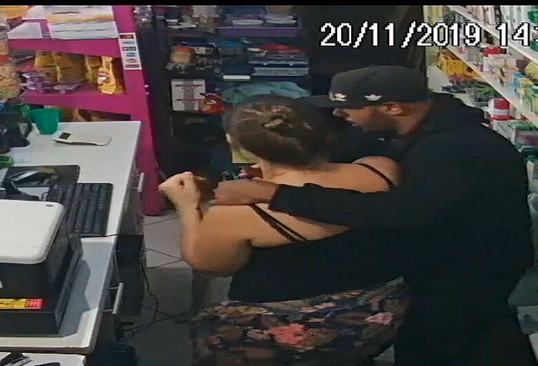 Bandido coloca faca no pescoço de mulher grávida e assalta agropecuária no Aracy