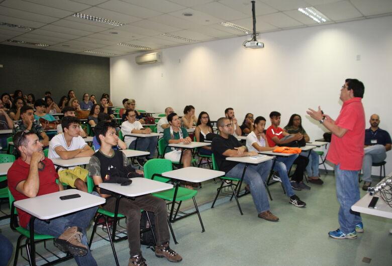 Alunos de São Carlos adquirem formação complementar em Física Experimental