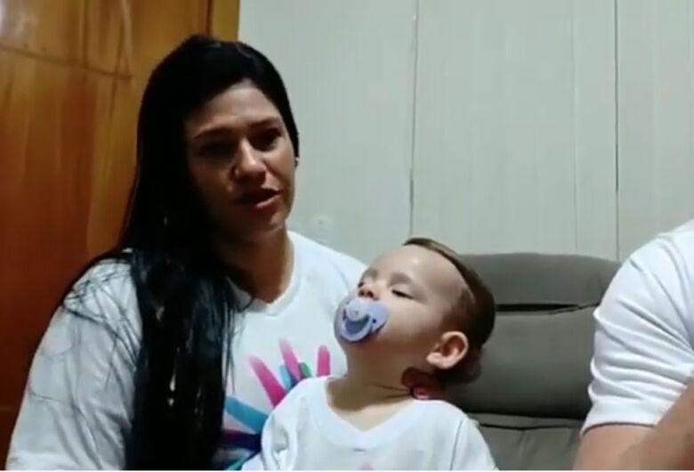Campanha busca ajuda para a bebê Valentina, que sofre de doença rara