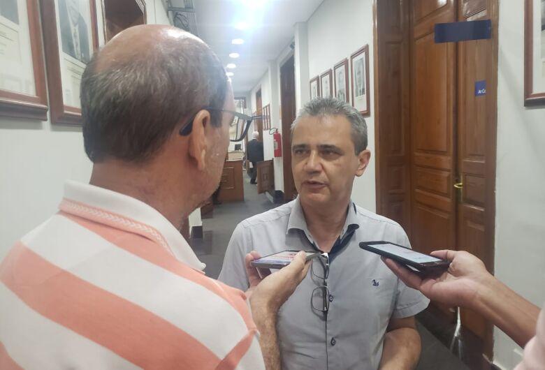 Vereadores aprovam lei que autoriza a Prefeitura regularizar obras clandestinas ou irregulares em São Carlos