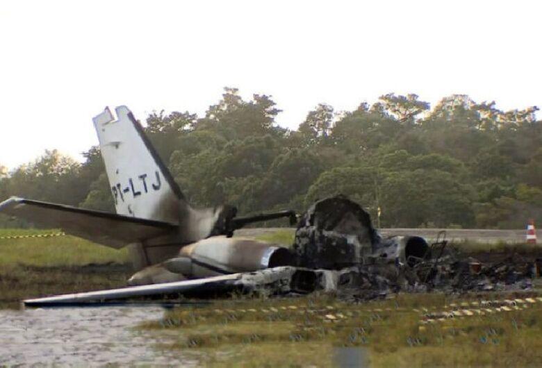 Quatro vítimas de queda de avião são transferidas para São Paulo