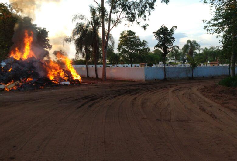 Roselei recebe denúncia de moradores sobre queimadas em Santa Eudóxia