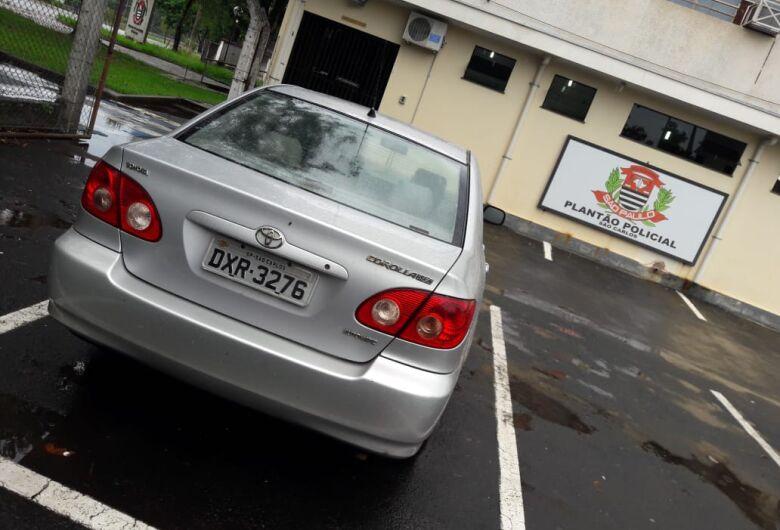 Carro roubado é localizado no Aracy 2