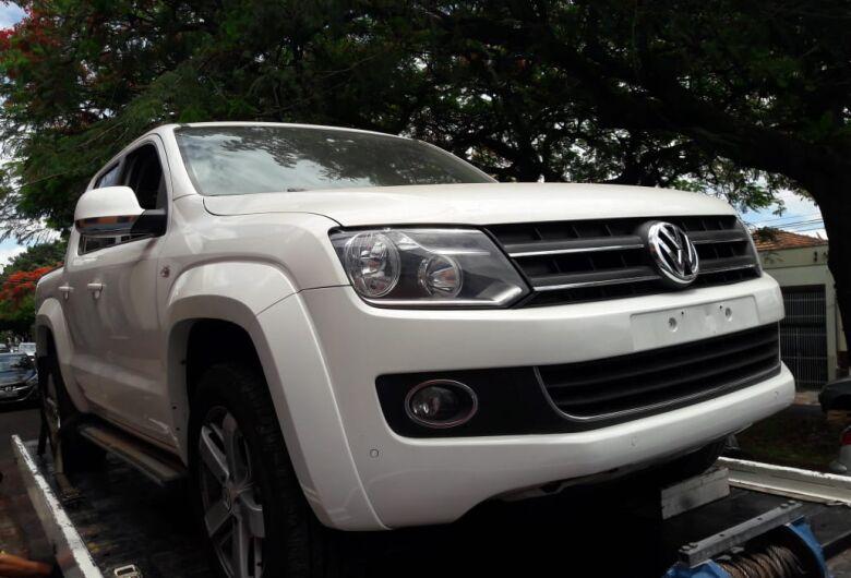Amarok roubada na região do Senai é localizada em garagem no Jardim Beatriz