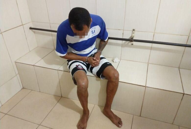 Homem é preso no São Carlos 8, acusado de roubo a supermercado