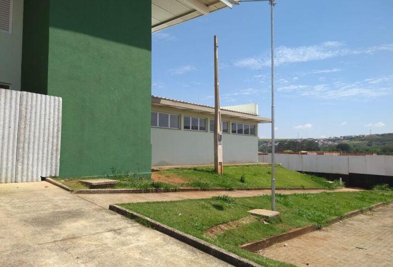 Vereador Elton Carvalho cobra conclusão das obras na USF do Jardim Zavaglia