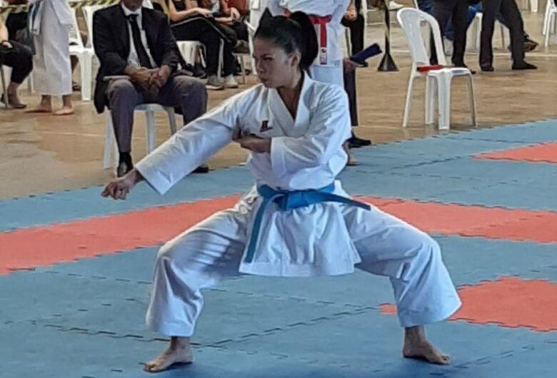 Karateca de São Carlos é ouro pela oitava vez consecutiva nos Jogos Abertos