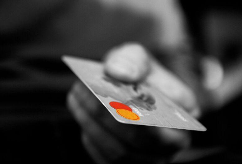 Idosa tem cartão bancário furtado no Centro e prejuízo de R$ 2.260 mil