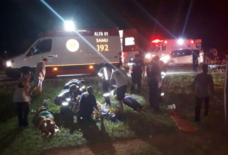 Duas pessoas morrem em acidente com micro-ônibus no interior de SP